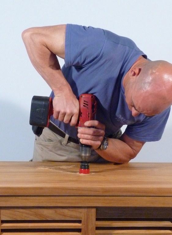 Comment poser une vasque et couper les pieds dun meuble