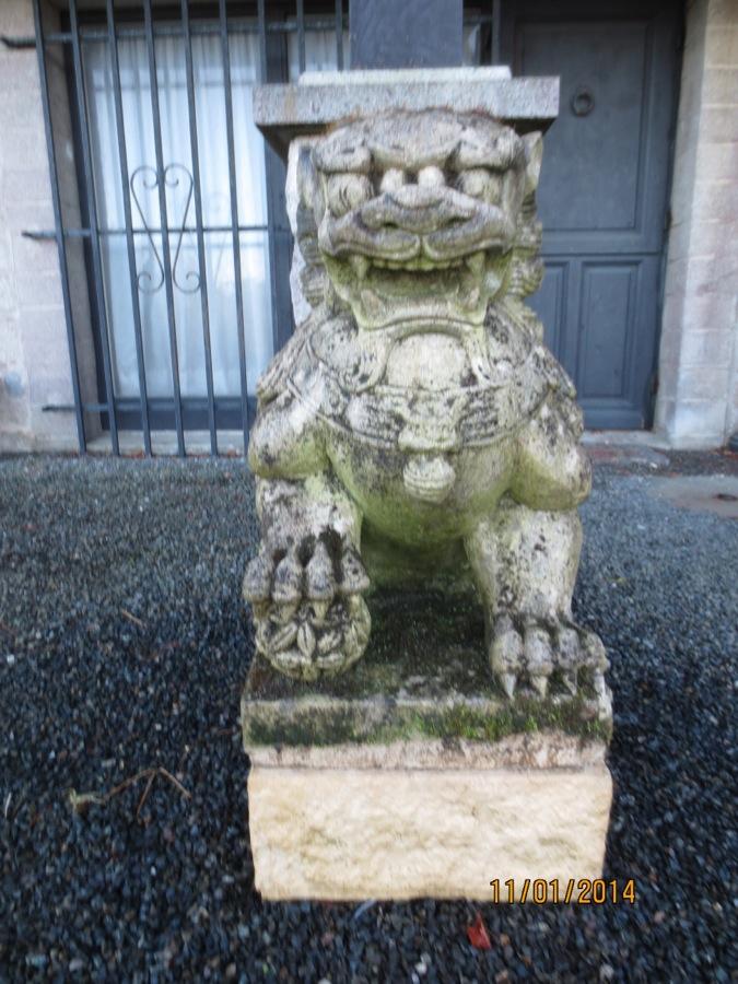 Le gardien du seuil plougrescant 22 blog de mobilier for Lions du meuble