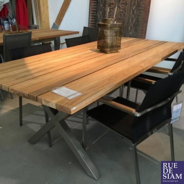 Mobilier de jardin - Table et chaises en bois et acier