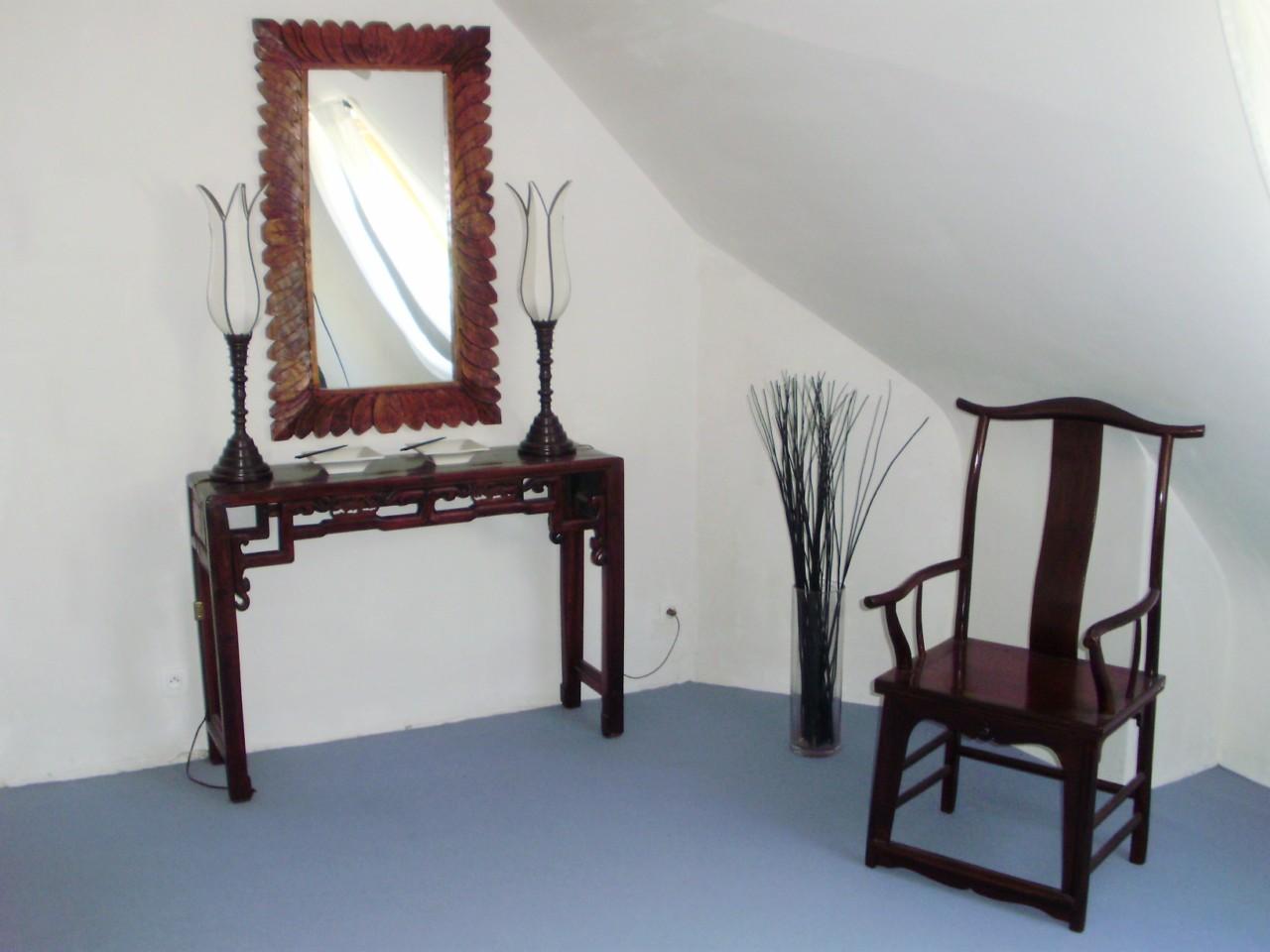Rue de siam chez vous - Chez Claude à Plougastel-Daoulas (29) - Console chinoise ancienne